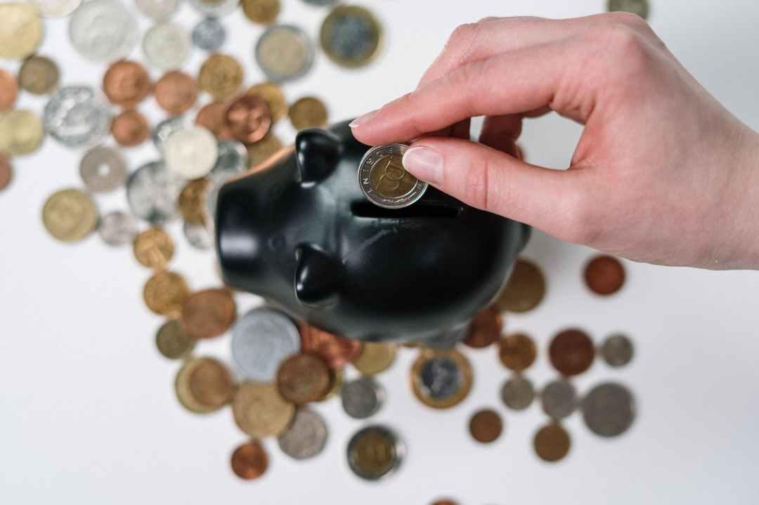 Psychological Tricks to Save Money