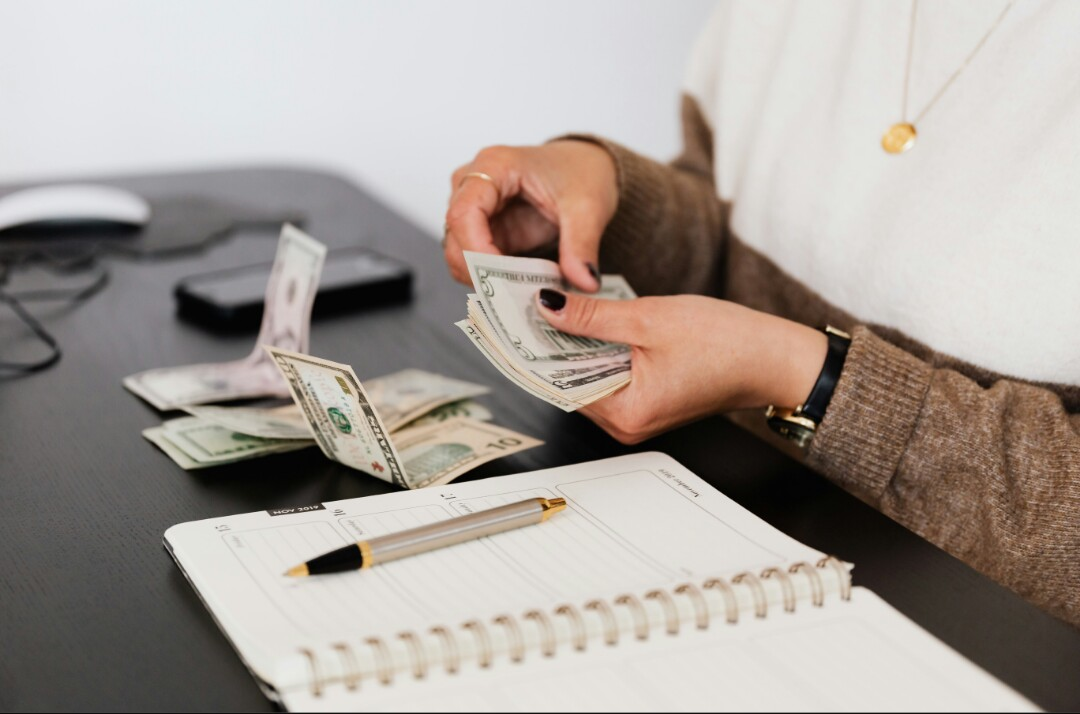 8 Tips to Manage Money When You're Broke