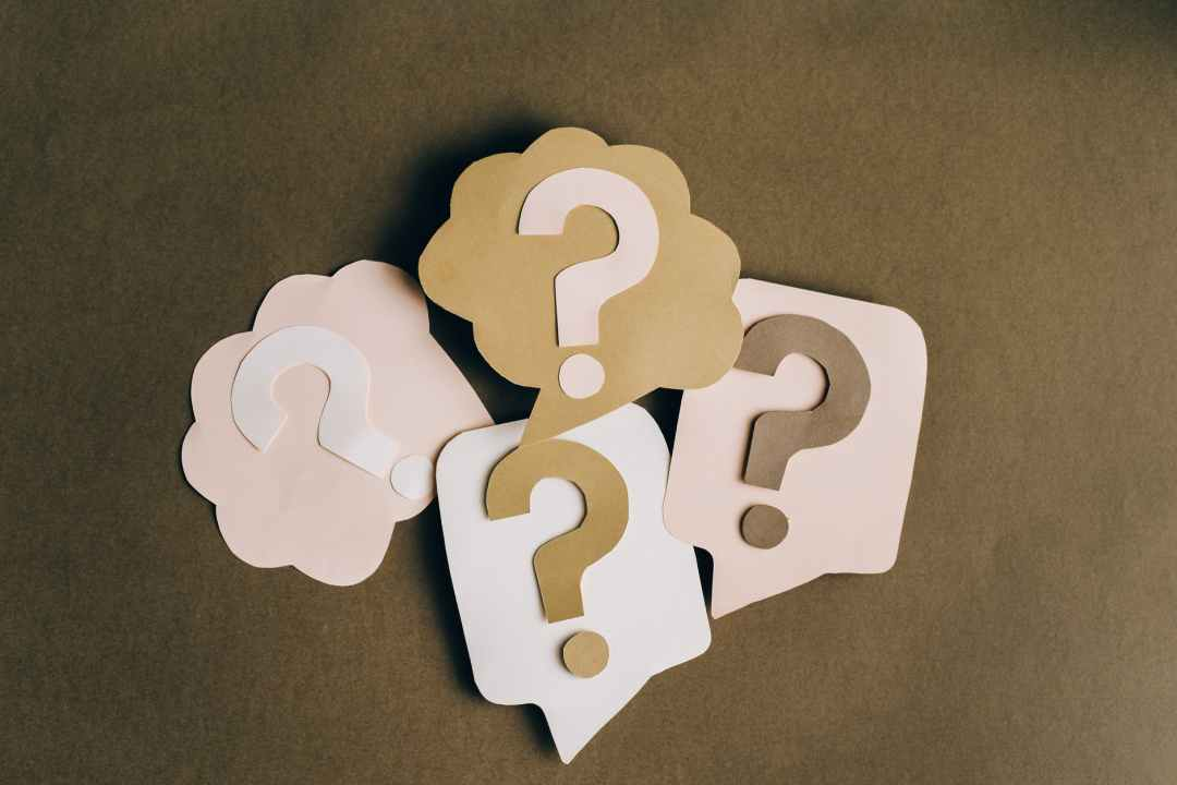 8 Intrusive Questions to Never Ask Anyone and Why