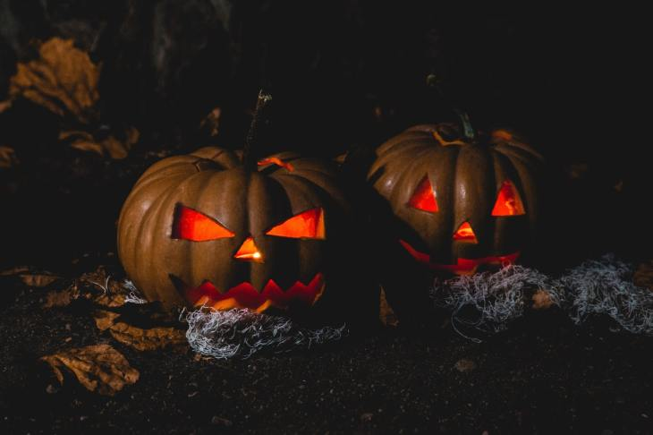 Halloween jokes and frightening stories to tell for Halloween party for kids